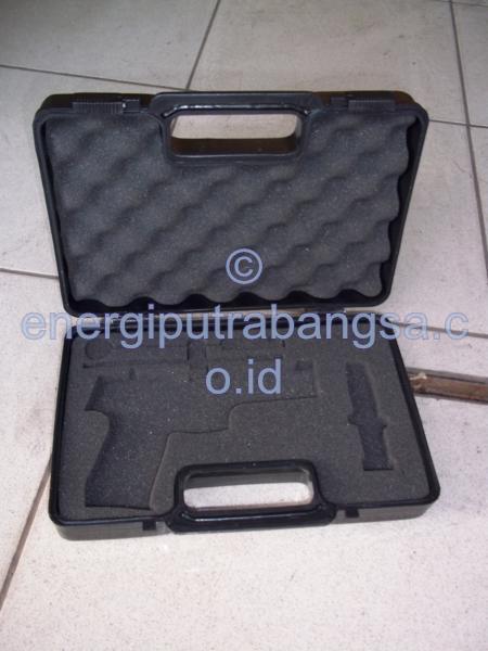 Box Pistol PT Pindad